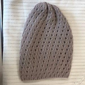 Soft mauve knit beanie